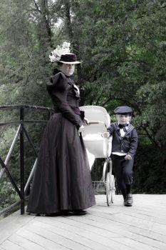 ubiory rodziny lat 90-tych XIX wieku (2 of 5)