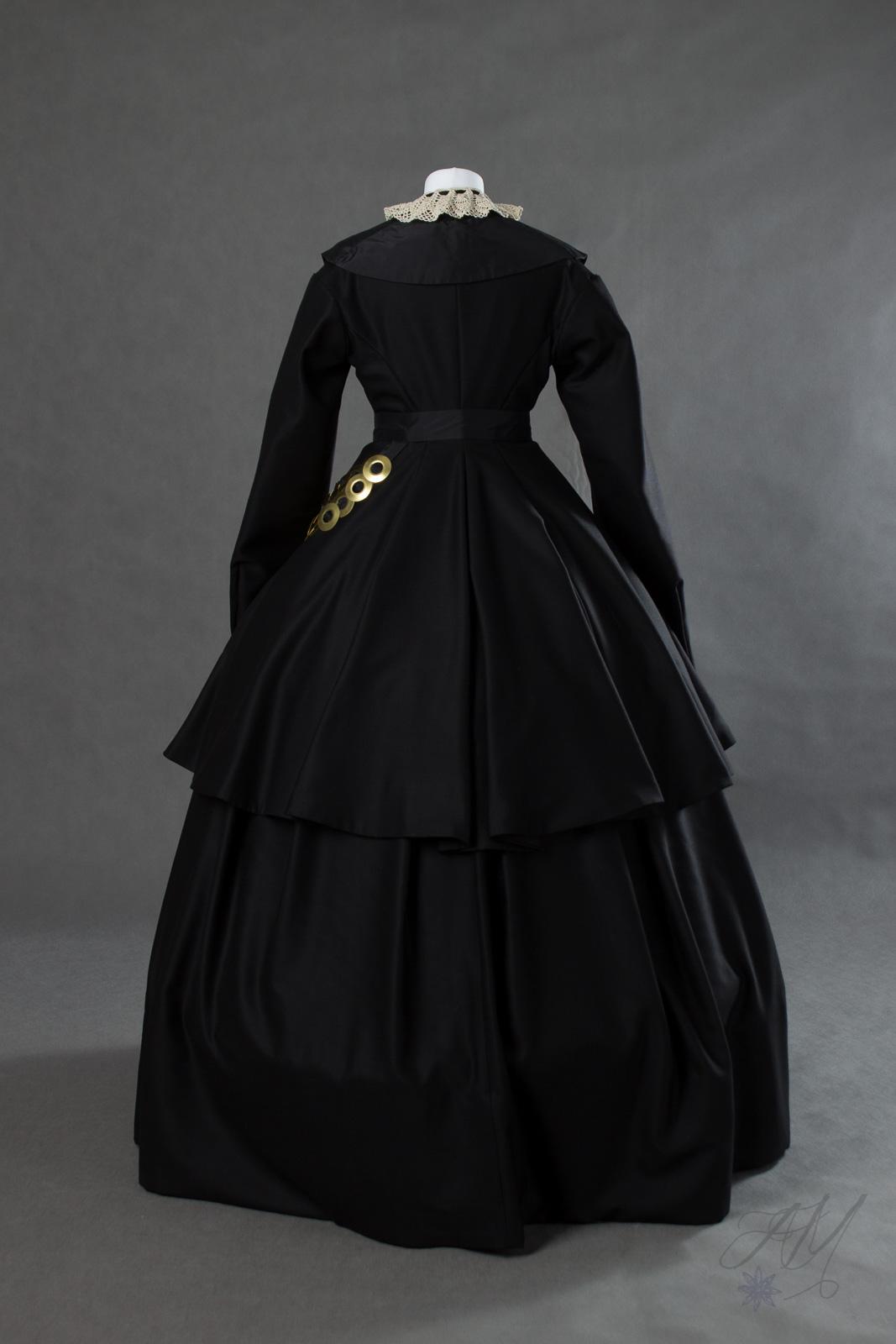 Suknia-z-początku-lat-60.-XIX-wieku