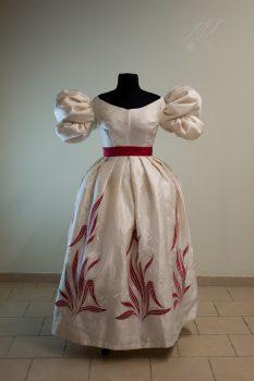 Suknia wieczorowa około 1830