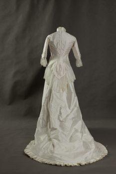 Suknia ślubna 1880r-6