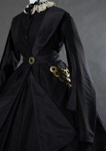 Suknia z okresu Żałoby Narodowej